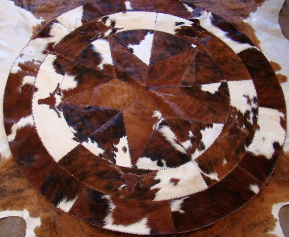 Cowhide 72 Round Star With Longhorns Rug