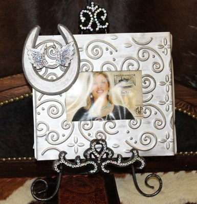 Horse shoe and wings photo frame